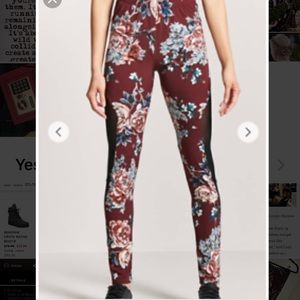 NWT floral w/ mesh side active gym leggings